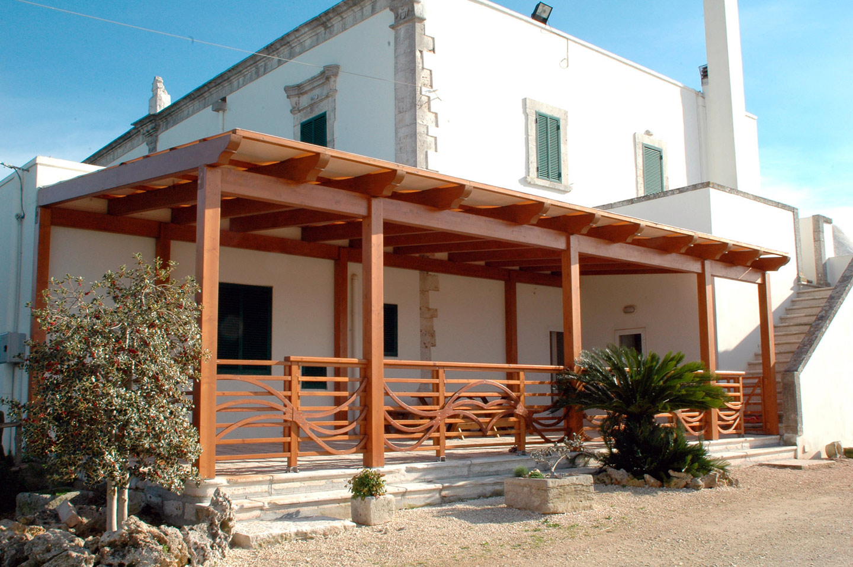 Verande e pergolati in legno intini legno design for Disegni veranda anteriore